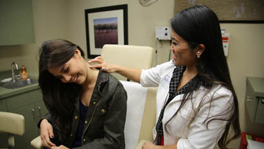 Pimple Bursting Doctor Becomes 'Pop' Star