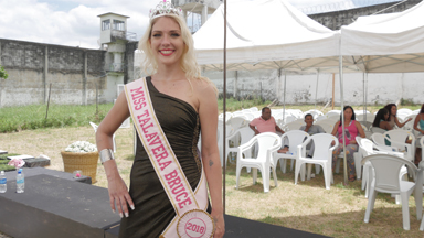 Convicted Killer Wins Beauty Pageant In Women's Prison