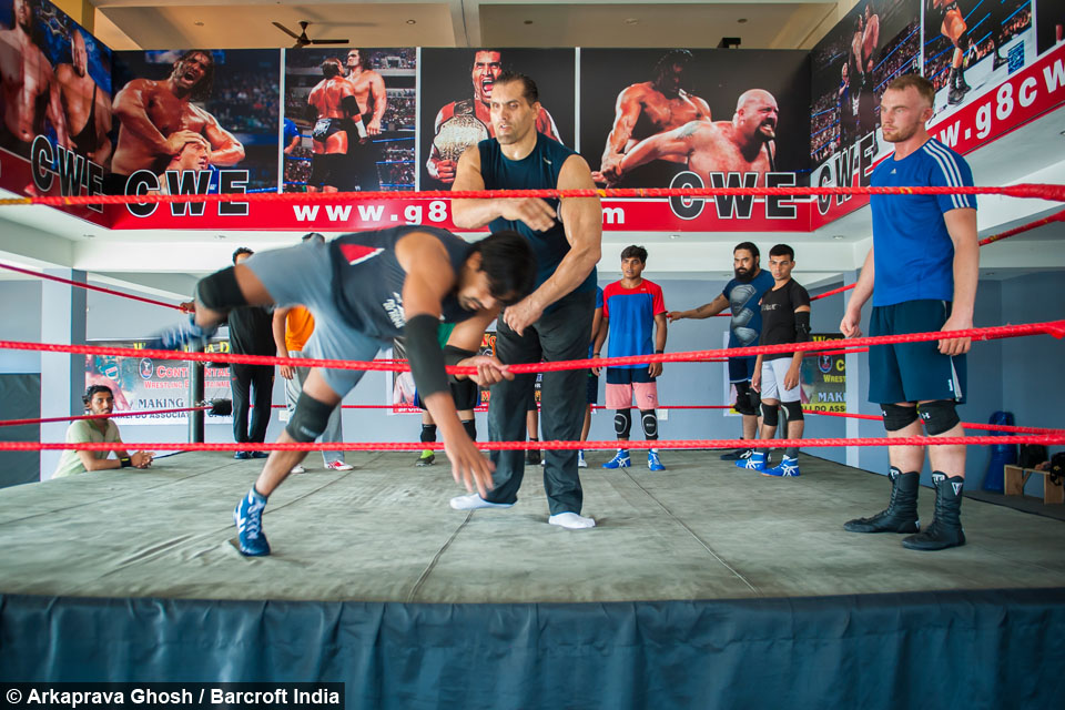 Former WWE Champion Turns Back On Hollywood To Train The