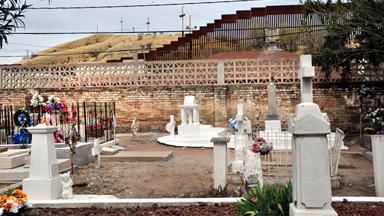 Death voyage: Mexican migrants risk their lives to reach America