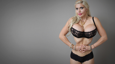 Model Has SIX RIBS Removed In World's Smallest Waist Bid