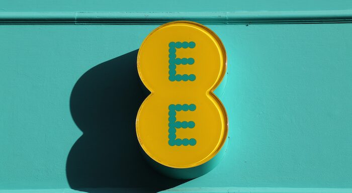 an ee sign
