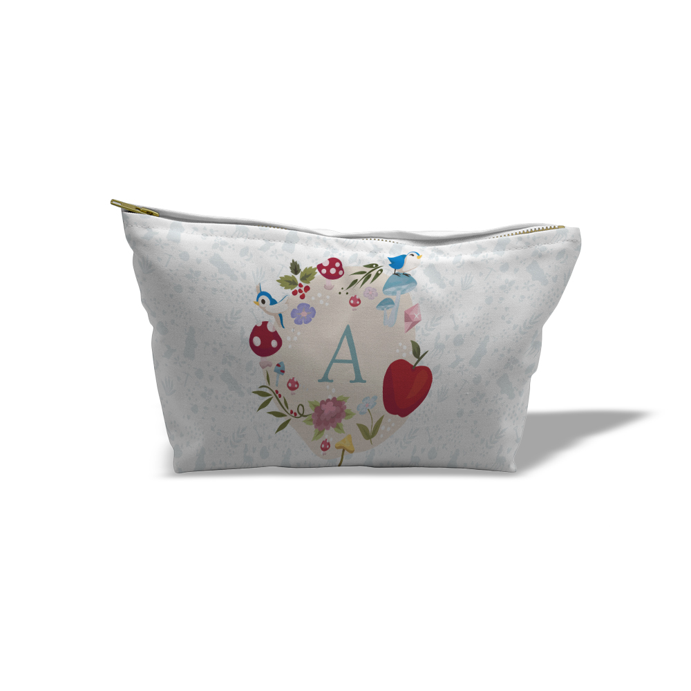 Disney Princess Snow White Initial Medium Wash Bag