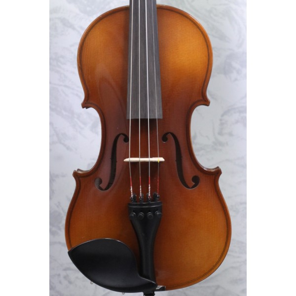 Forsyth Model 26 - ¾ Size second hand with case and bow