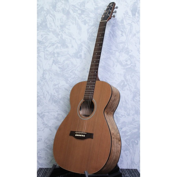 Seagull S6 Concert Hall Q1T electro-acoustic Guitar