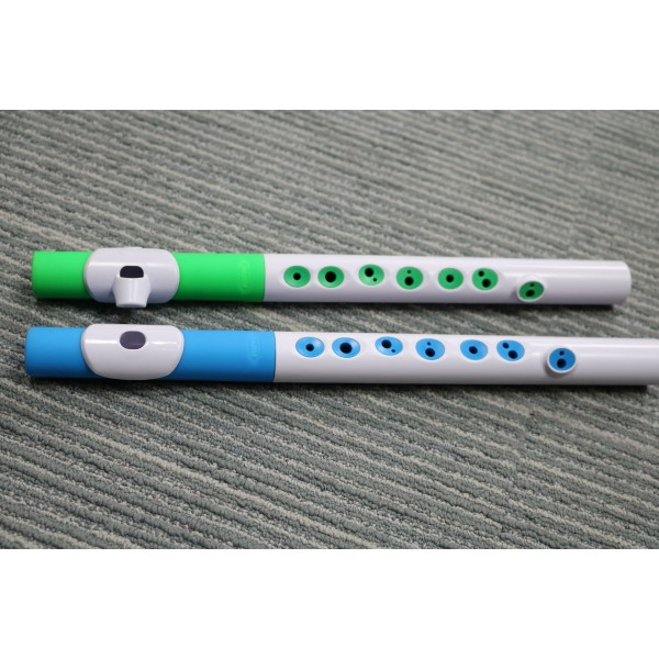 Nuvo Toot Flute like wind instrument