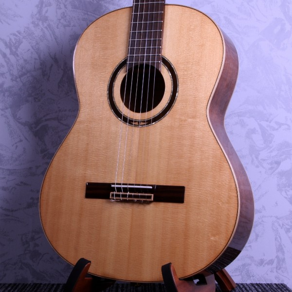 Ortega R138SN classical guitar