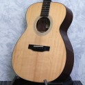 Eastman E6-OM Acoustic Guitar