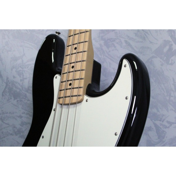 Fender Standard Jazz Bass MN Black