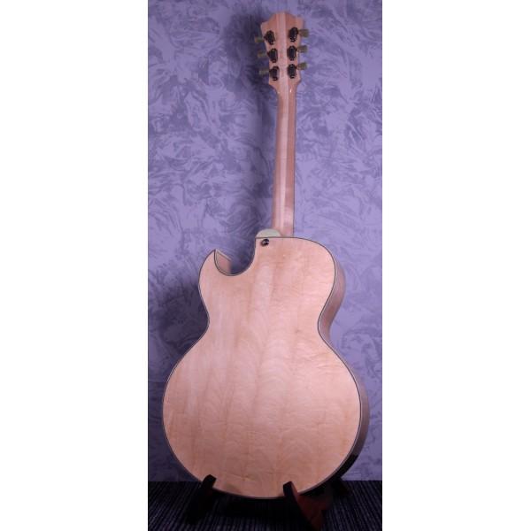 """Eastman AR37 Blonde 16"""" w/ Cutaway Electric Guitar"""