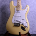 Fender Player Stratocaster Buttercream w/ Maple Neck