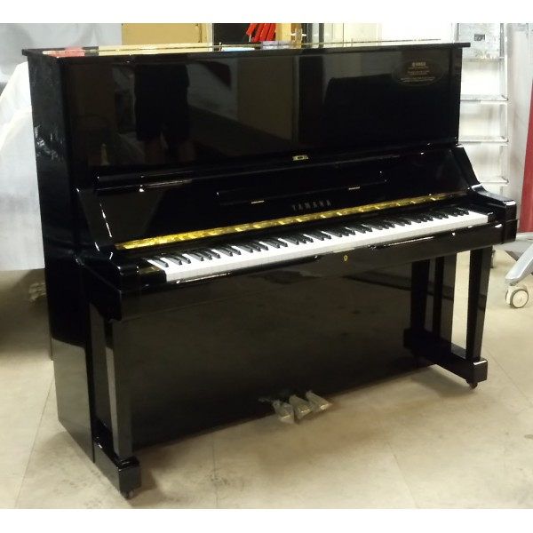 Yamaha U3X Upright Piano in Black Polyester (Reconditioned)