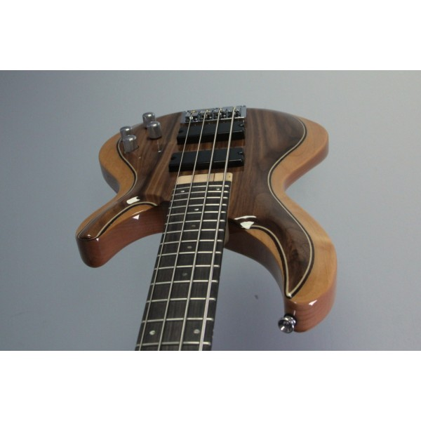 Aria IGB-50 Walnut Active Bass