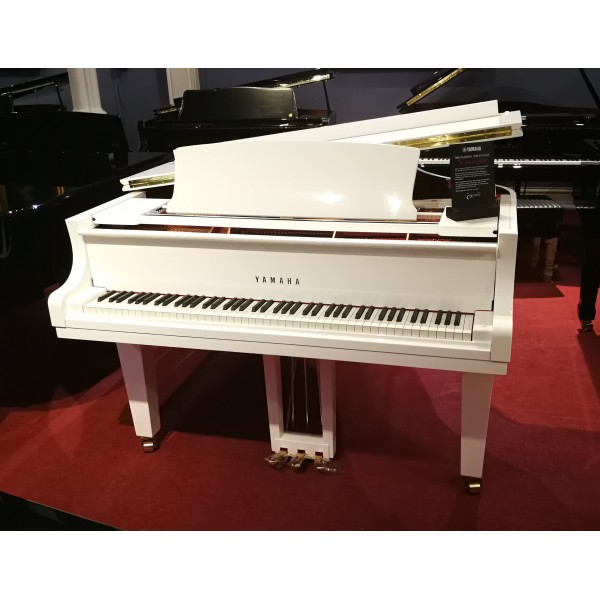 Yamaha Grand Piano C3X in White Polyester
