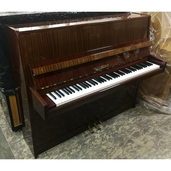 Petrof 116 Upright Piano in Mahogany Polyester (Pre-owned)