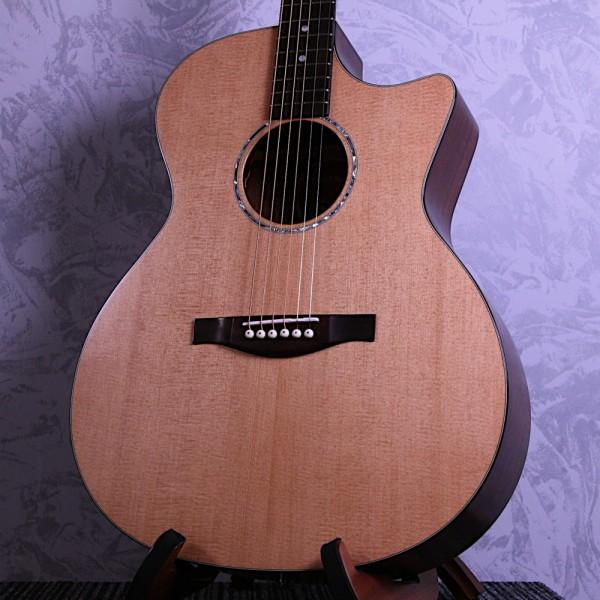 Eastman Pacific Coast Highway Grand Auditorium Acoustic Guitar
