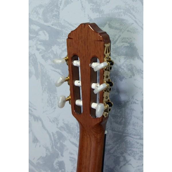 Raimundo 660E Classical Guitar