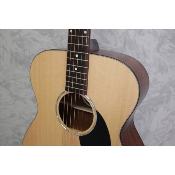 Eastman Pacific Coast Highway PCH1 OM Acoustic Guitar Natural