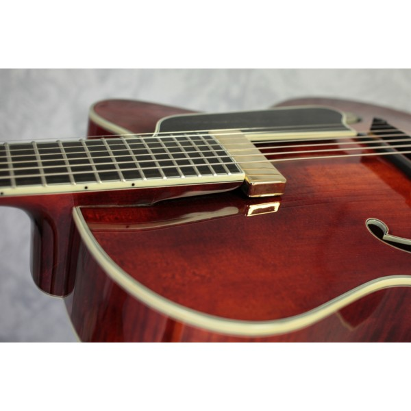 Eastman AR810CE-7 Classic Finish Seven String Archtop Semi-Acoustic