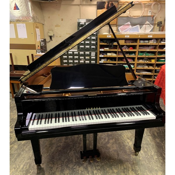 Pre-owned Yamaha C1 grand piano in black polyester