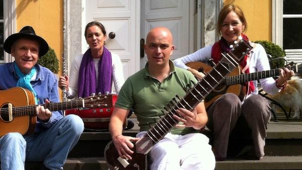 Gustav Vigneshwara, Sabeenamayi, Falk & Veemala