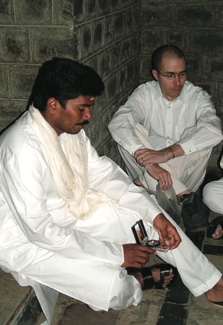 Sri Kaleshwar & Tobias in Shirdi, 2004