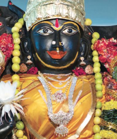Mahishasura Mardini / Kanaka Durga -patsas Penukondassa, Intiassa.