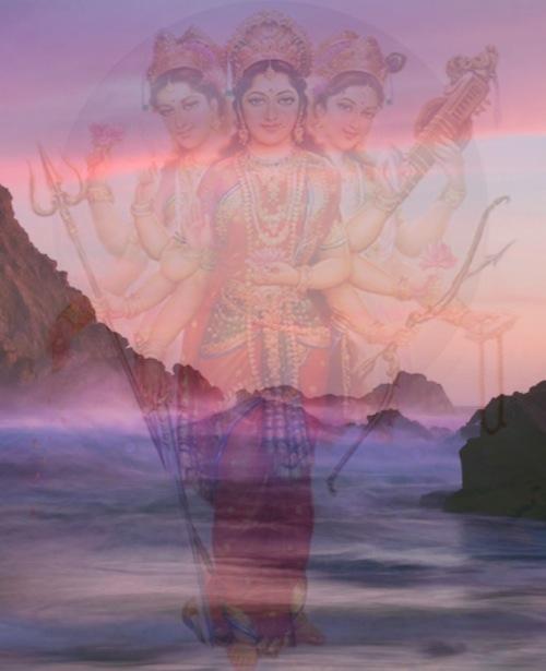 Jumalallinen Äiti on elementtien kätketty voima.