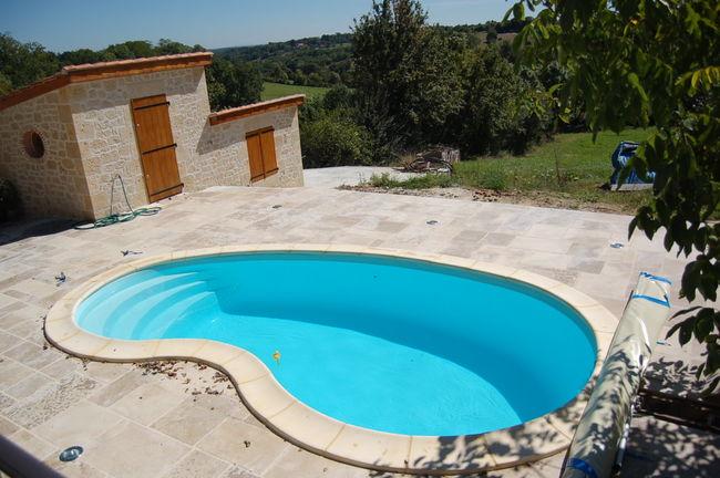 Ibiza piscine coque polyester h632 leaubienetre