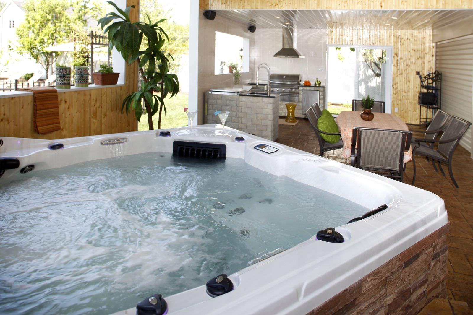 le spa portable choisir la qualit un prix abordable. Black Bedroom Furniture Sets. Home Design Ideas