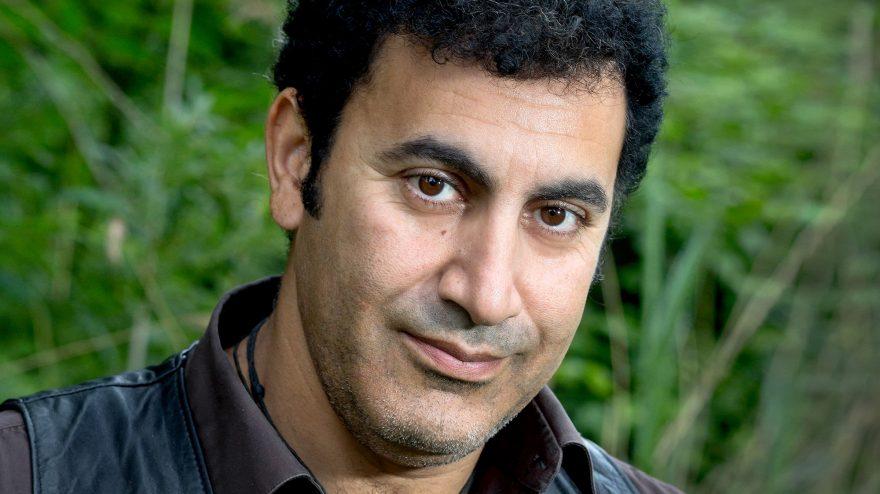 Mohammed Benzakour, schrijver, journalist, socioloog en imker   Foto: Maartje Geels