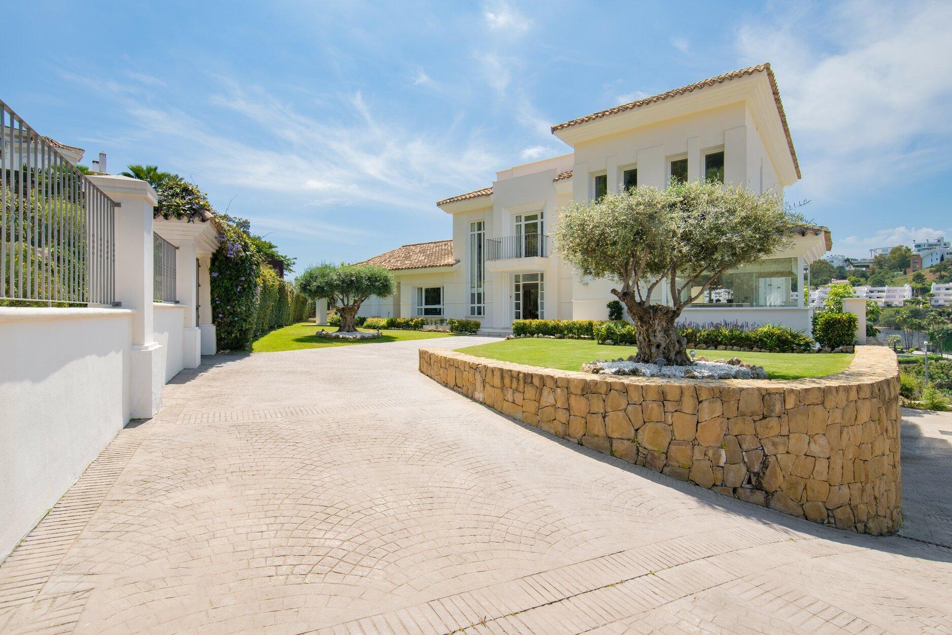 Villa for rent in Benahavis, Vega del Colorado