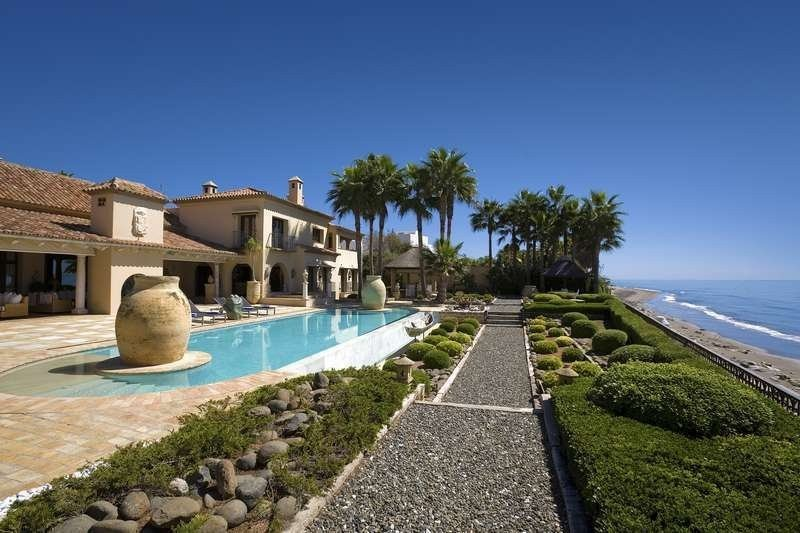 Villa for rent in Marbella, Los Monteros