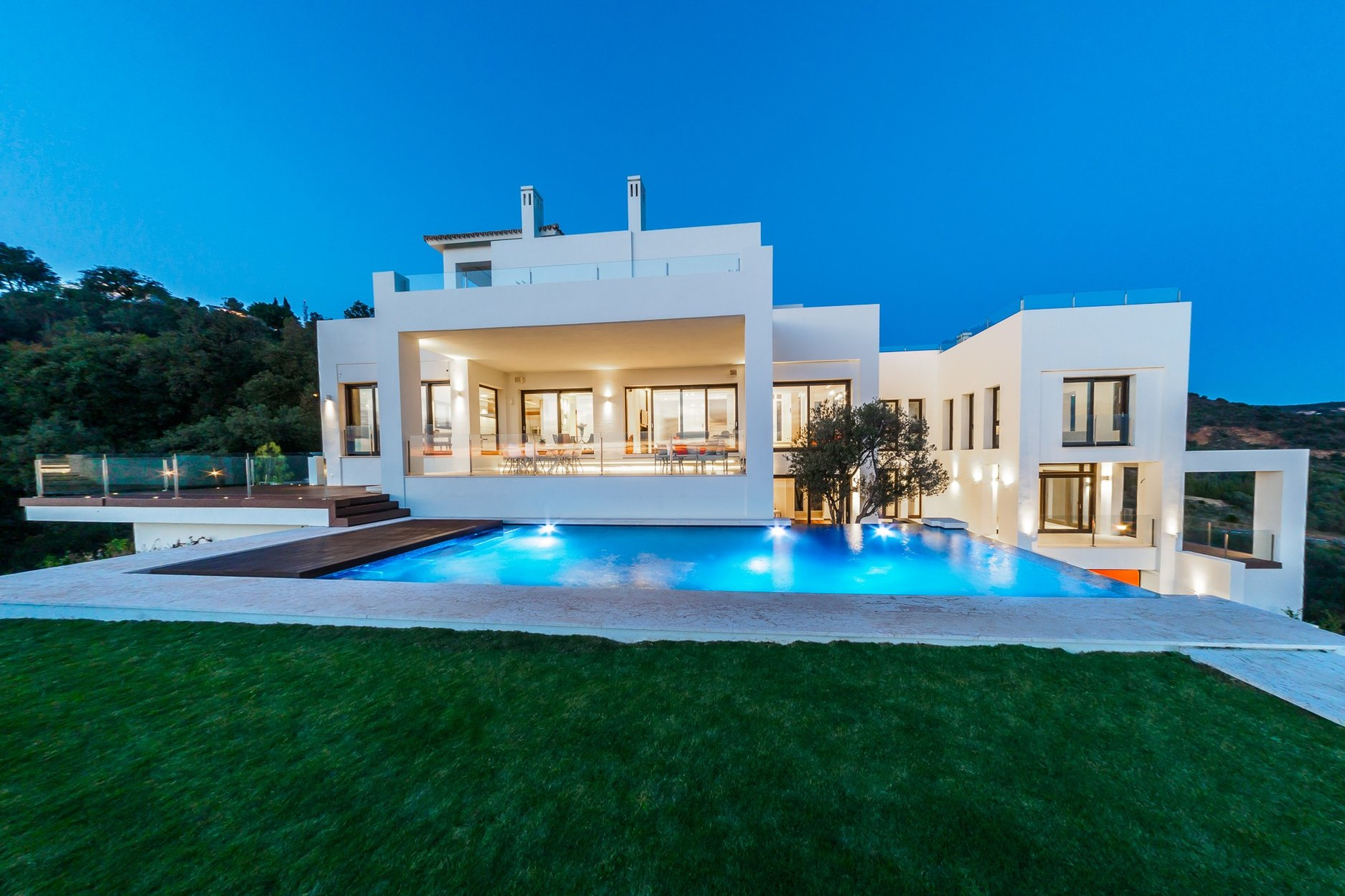 Villa for rent in Marbella, Los Altos de los Monteros