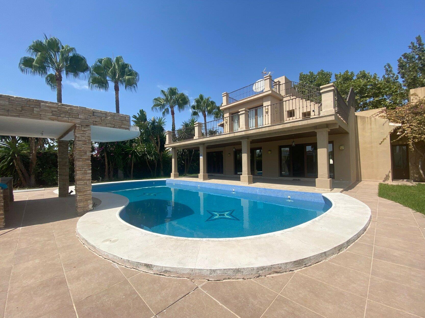 Villa for sale in Marbella, Villa Parra