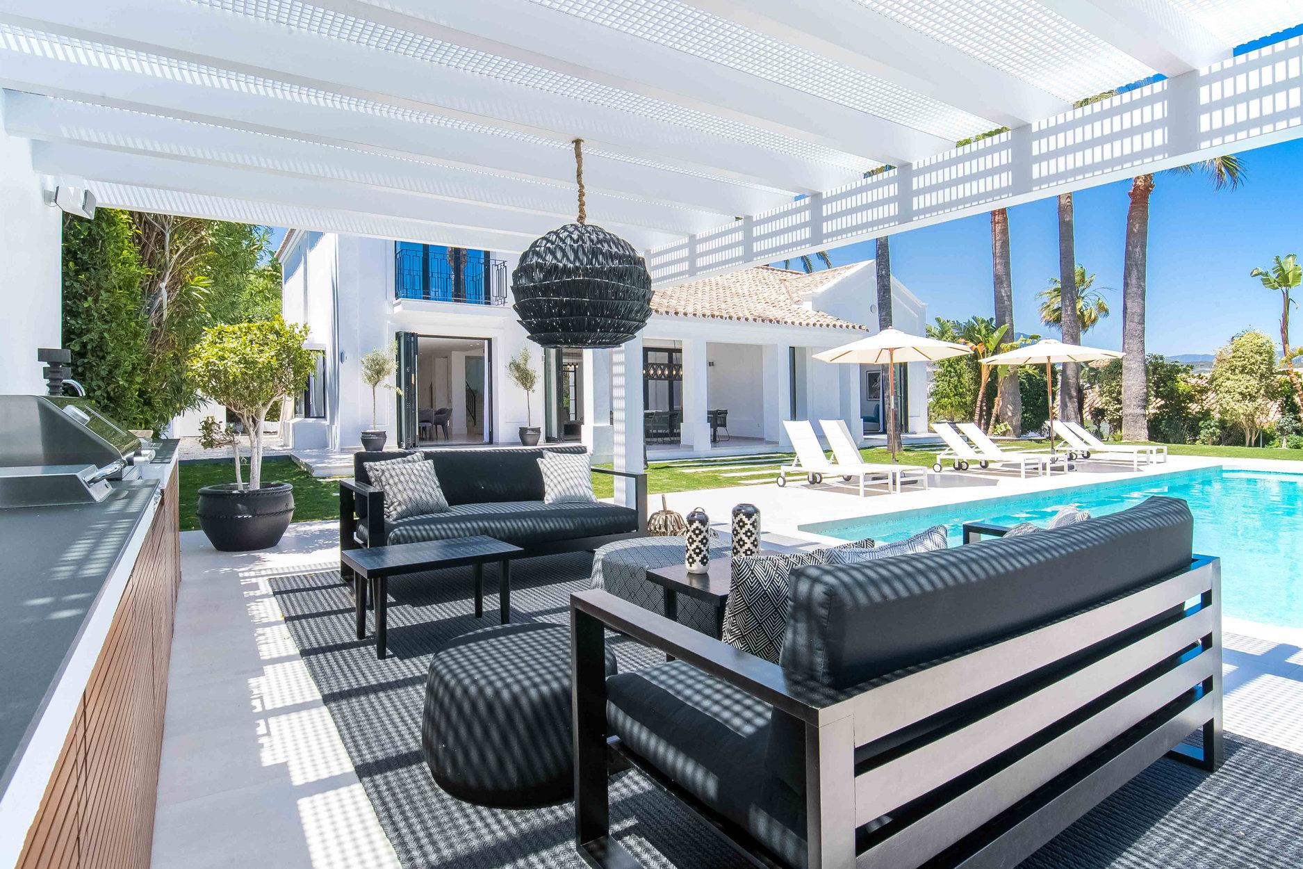 Villa For Sale in Nueva Andalucia, Marbella