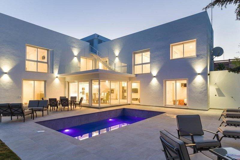 Villa for sale in Marbella, Villa Londres