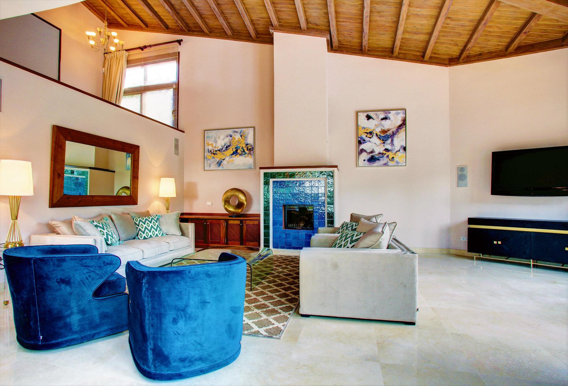 Villa For Sale in El Herrojo Alto, La Quinta, Benahavis