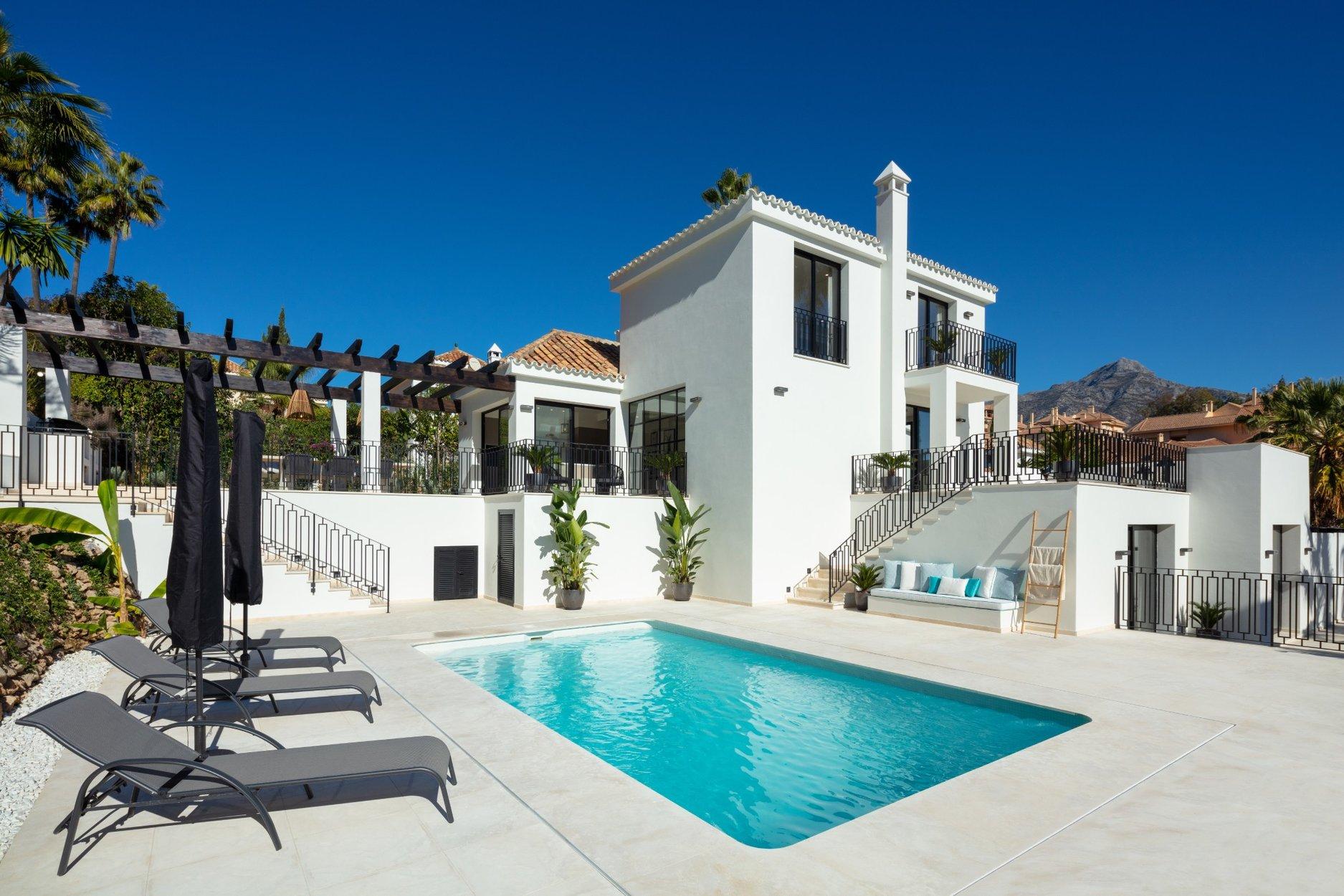 Villa for sale in Marbella, Los Naranjos Hill Club