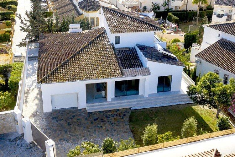 Villa for sale in Marbella, Bahia de Marbella