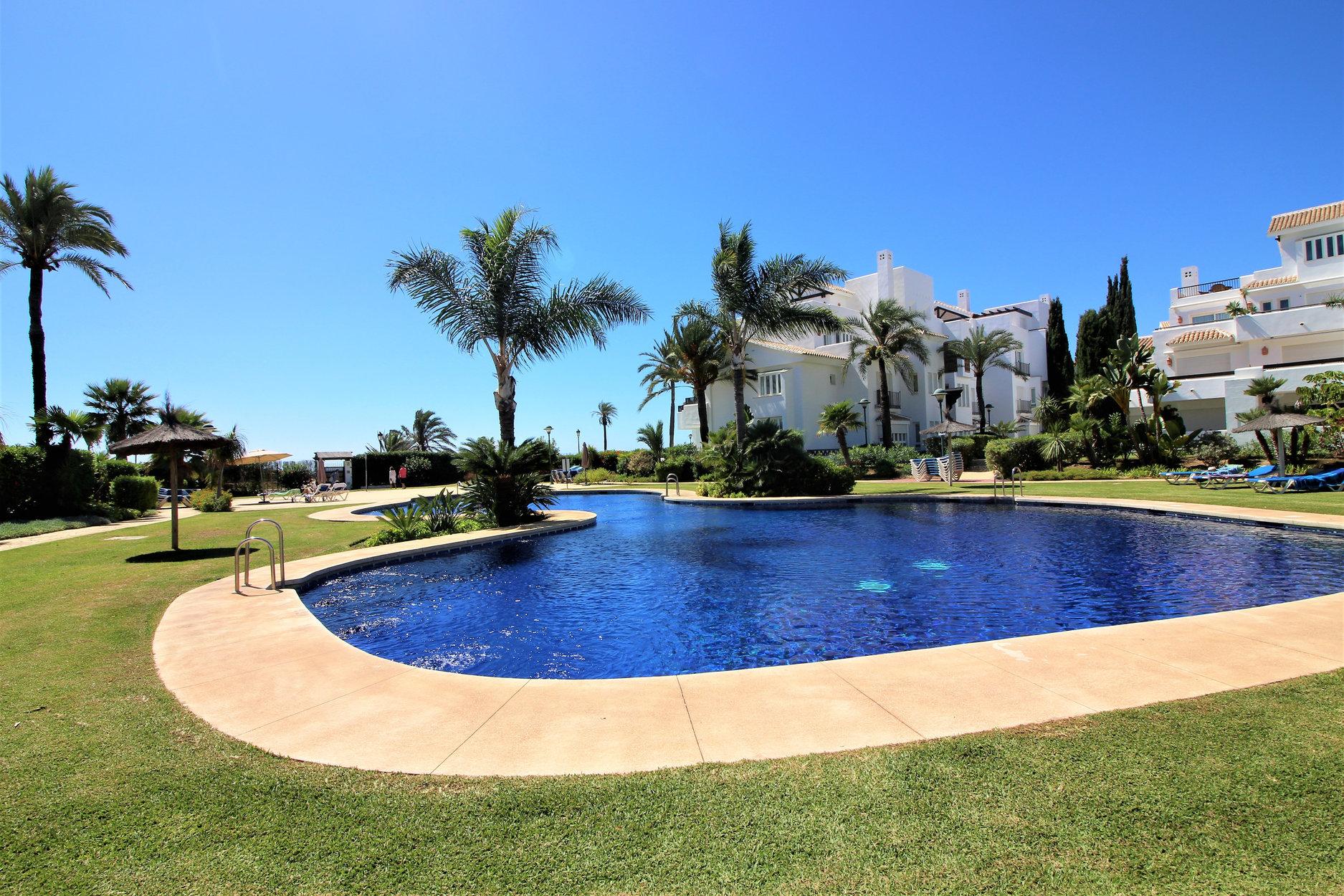 Penthouse till salu i Marbella, Los Monteros Palm Beach