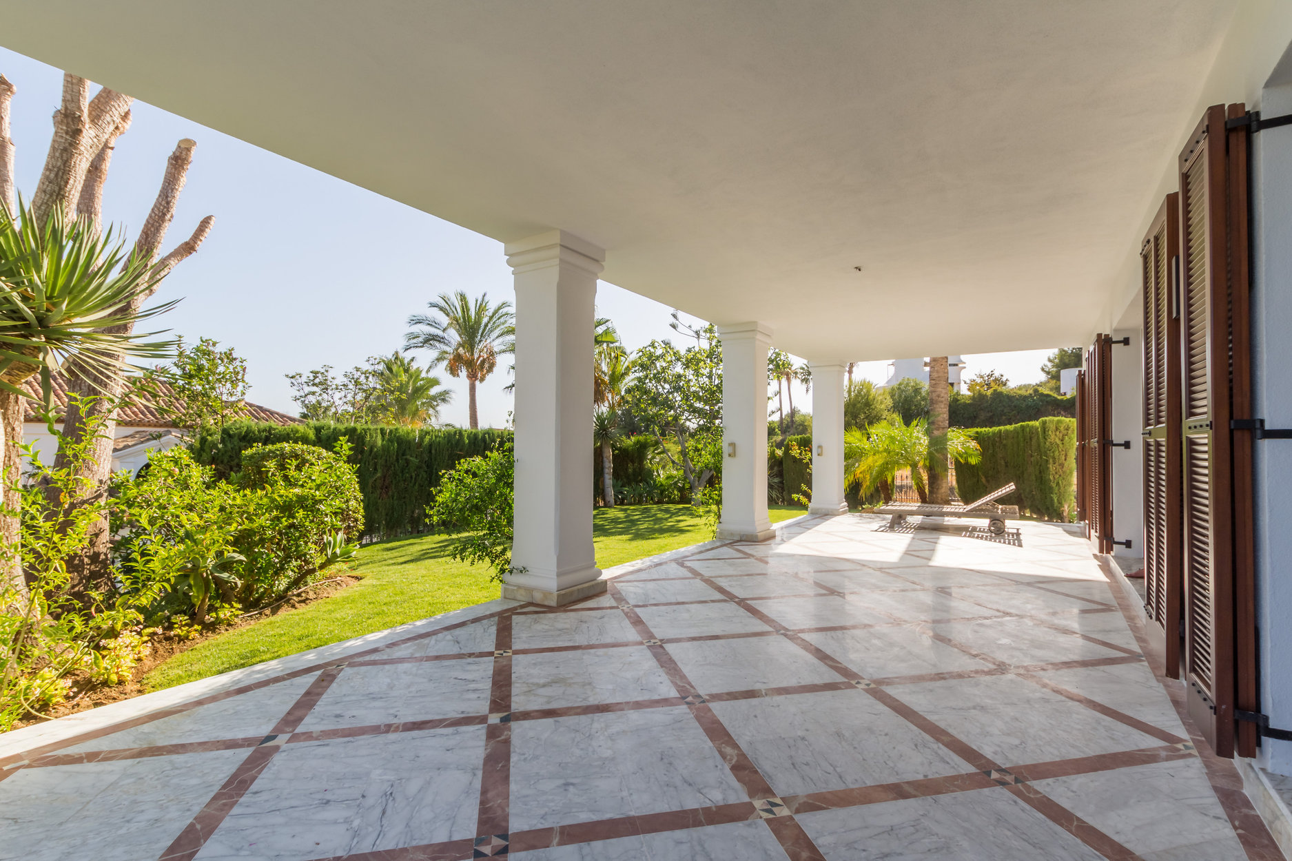 Villa For Sale in Monte Paraiso Golf & Country Club, Marbella Golden Mile