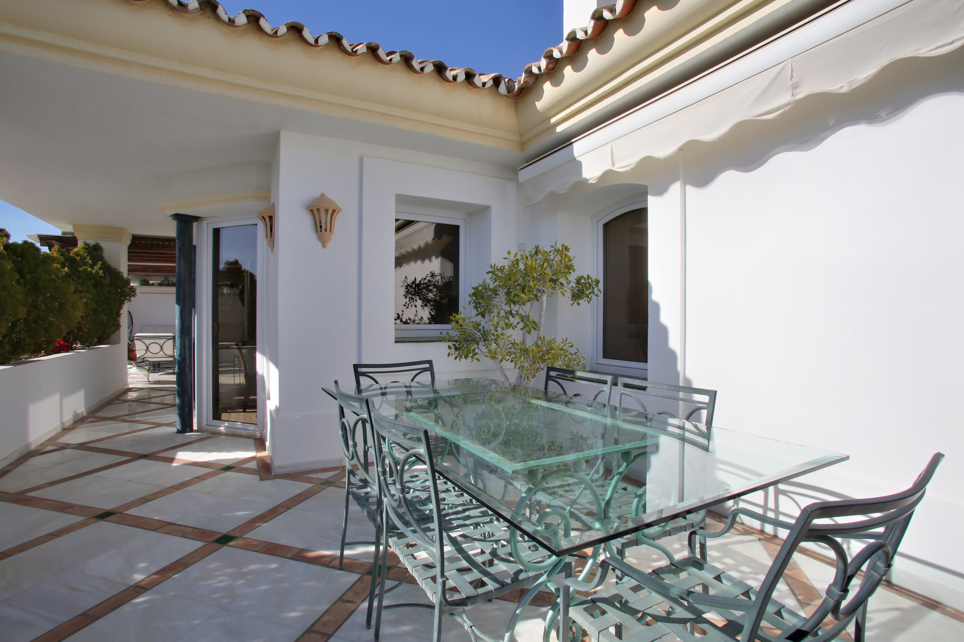 Penthouse For Sale in Monte Paraiso, Marbella Golden Mile