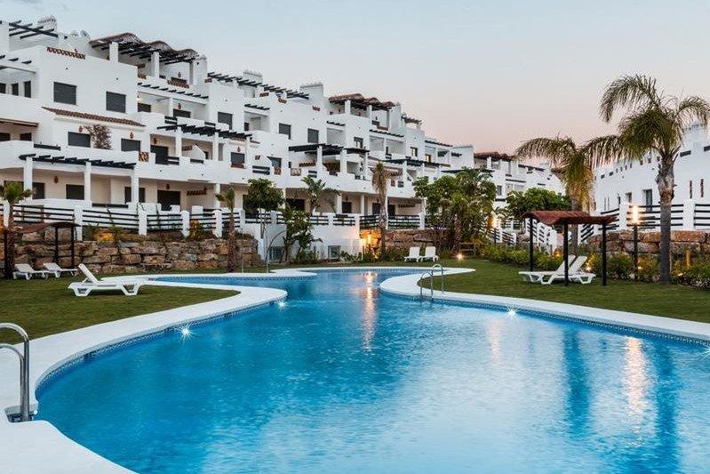 Apartment till salu i Estepona, La Resina Golf