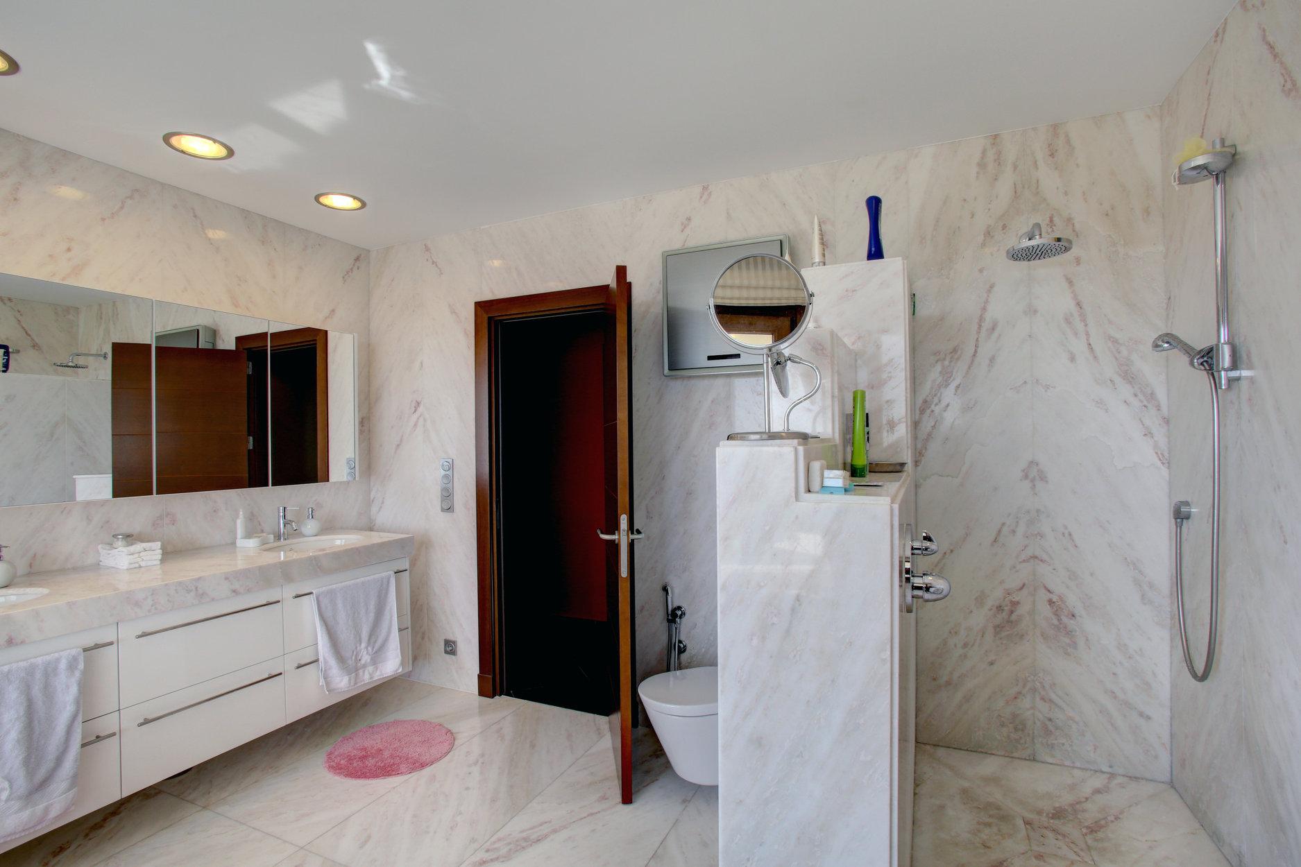 Villa For Sale in La Reserva de Alcucuz, Benahavis
