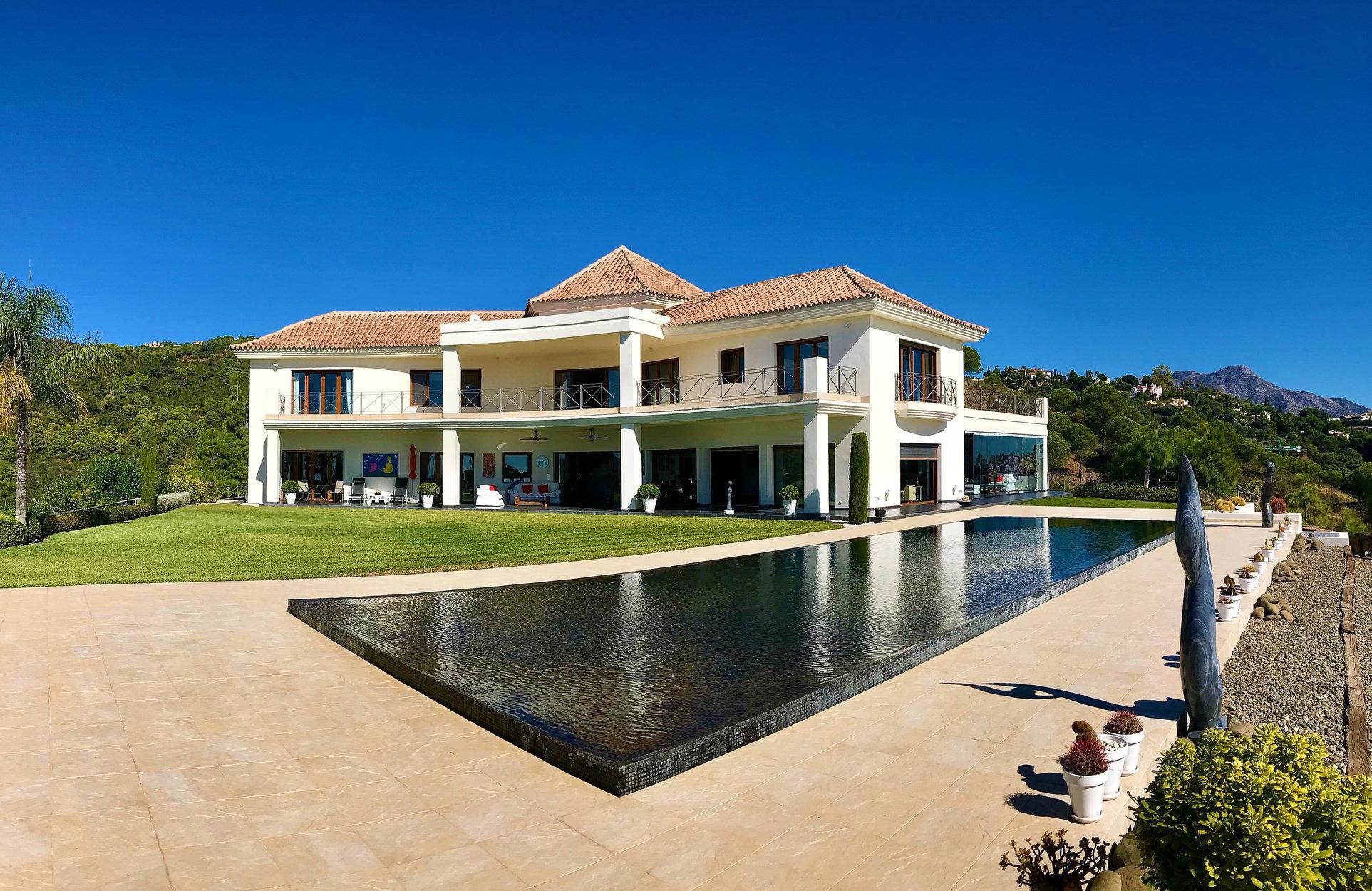 Villa for sale in Benahavis, La Reserva de Alcucuz