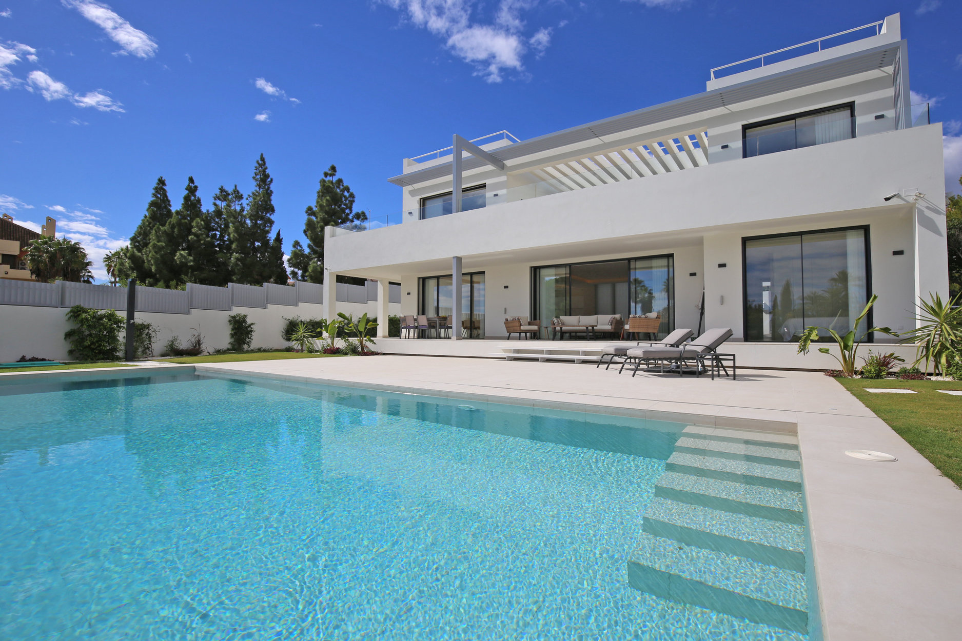 6-bed- villa for Sale in Marbella Golden Mile