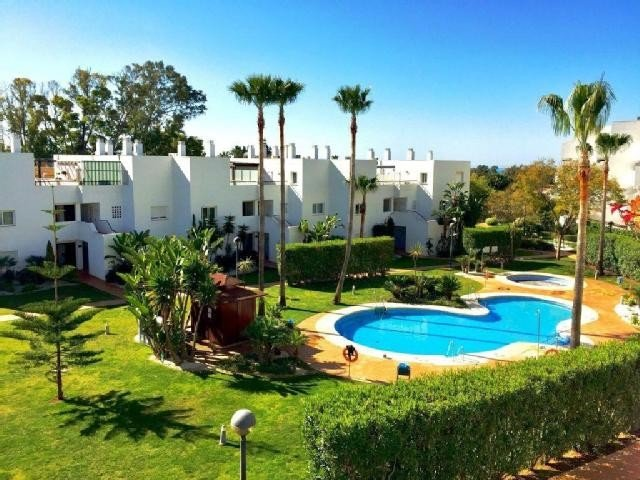 Appartement for rent in Guadalmina Baja