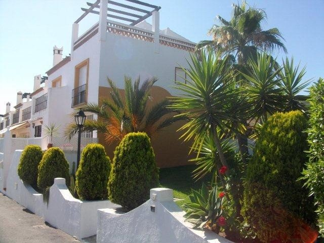 Townhouse for rent in Las Chapas