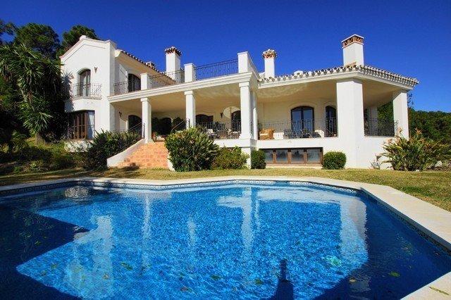 Villa for sale in Benahavis, La Zagaleta